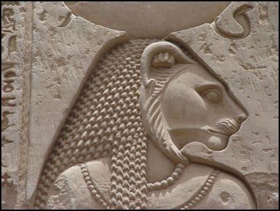 Sekhmet, zeița războiului și a vindecării